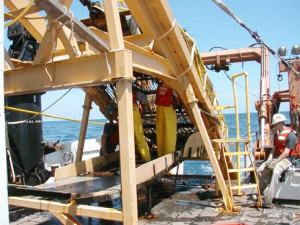 Heavy dredge equipment