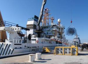 Loading gear with crane & hoist
