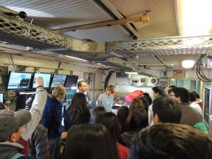 Scientists present to Chilean students