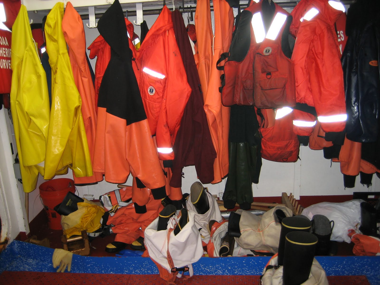 Henry r bigelow noaa teacher at sea blog for Foul weather fishing gear