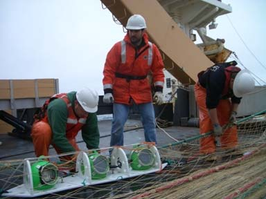 Kresimir and Rick send the final prototype of the pea pod down in the trawl net