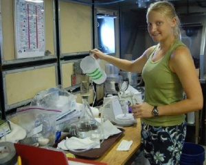 Scientist Amy Nau filters seawater for ASP causing dinoflagellates.