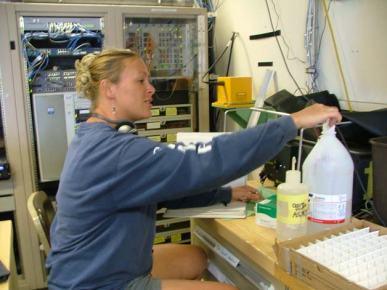 TAS Braun using the Fluorometer to test CTD water samples.