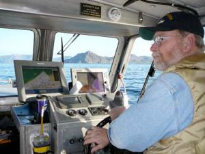 Ron Walker, our experienced driver, maneuvers our boat through the turns.
