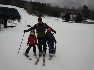 Chris & kids skiing