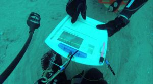 Divers use the diagrams to locate the Marine Debris Survey location. Photo: Sarah Webb