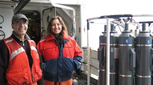 Chief Scientists Jerry Prezioso and graduate oceanography student Megan Switzer