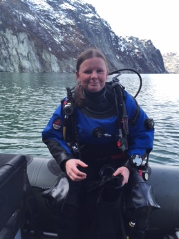 Dr. Rhian Waller prepares for a dive