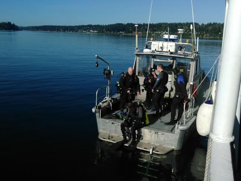 Dive Team Beginning HSRR in Port Madison, WA