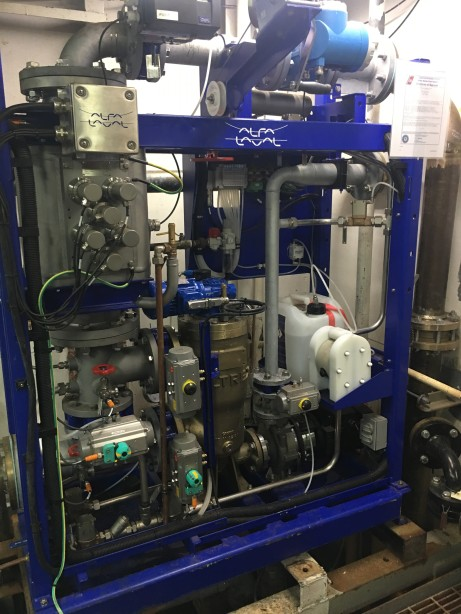 Ballast water filtration and UV purification system